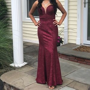 Sparkly maroon prom dress